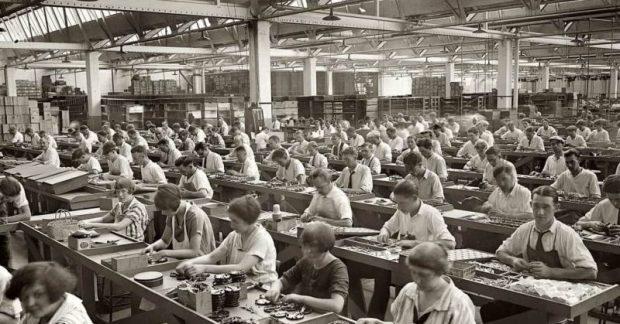 revolucion-industrial-trabajadores-min-e1519060442923